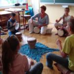 """Trommeln mit Schülern in der Oberschule Oberschule """"Hans Poelzig"""" Klingenberg"""